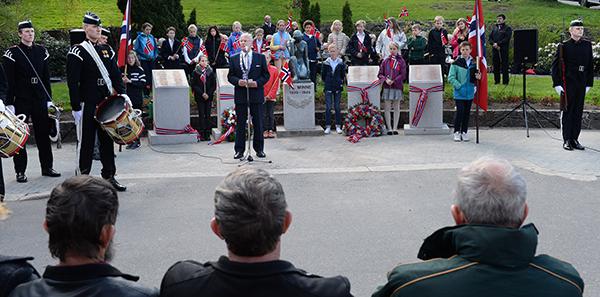 Krigsminnesmerke avduket i Arendal